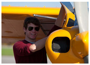 AOPA AV8RS announces new youth scholarship program