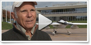 Astronaut Mike Melvill visits AOPA